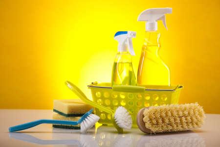 productos de limpieza: Variedad de productos de limpieza Foto de archivo
