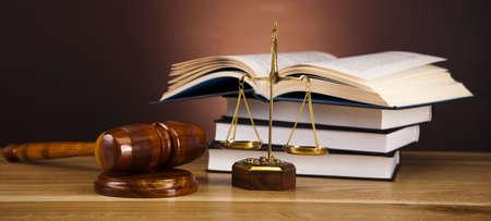 Recht und Gerechtigkeit Konzept, hölzernen Hammer