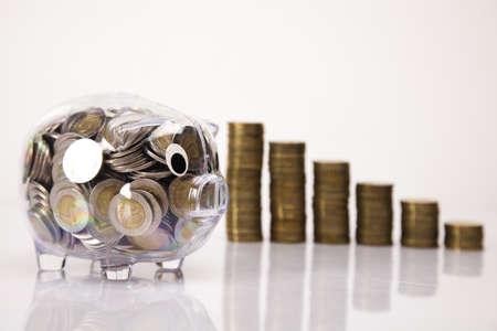 비즈니스 개념, 돼지 은행과 돈 동전 스톡 콘텐츠
