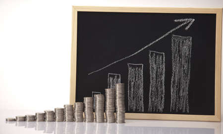 gold bar earn: Financial diagram Stock Photo