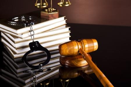 Handcuffs, Legal gavel