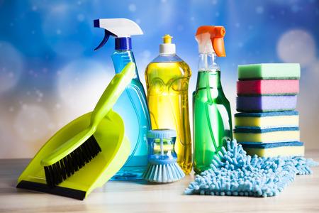 Schoonmaakmiddelen, thuis werk kleurrijke thema Stockfoto