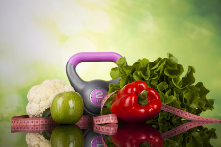 Fitness equipment and healthy food Standard-Bild