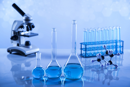 Laboratory Research and Development. Scientific glassware for chemical experiment Banque d'images - 114575593