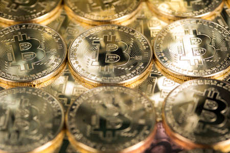 Virtual money, Currency. Bitcoin coins, financial chart Banque d'images