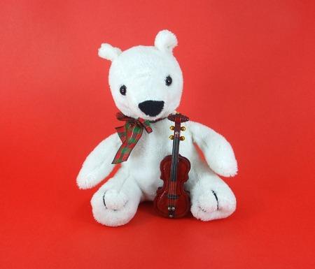 fiddles: Violin Bear
