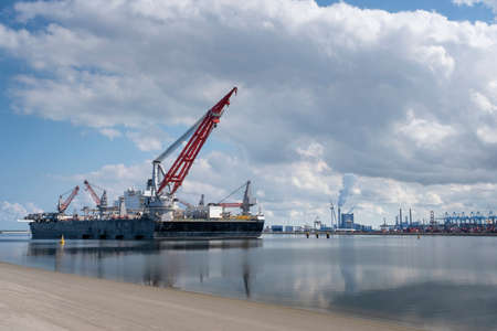ROTTERDAM, MAASVLAKTE, THE NETHERLANDS Construction vessel moored at the Maasvlakte, Rotterdam in The Netherlands for performing final tests with the new 5000 tonne crane.