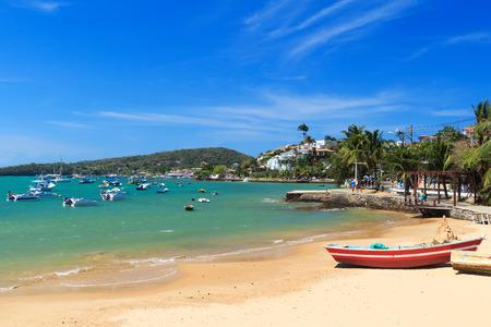Beach Armacao dos Buzios sea boats, hotels,  Rio de Janeiro, Brazil 免版税图像 - 33575009