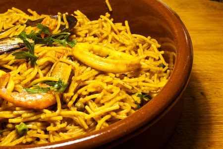 Fideua noodles with seafood, Mediterranean cuisine 版權商用圖片