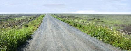 Paesaggio di una strada desolata all'alba Archivio Fotografico