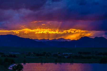 Sonnenuntergang in Boulder, Colorado Standard-Bild