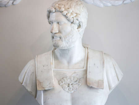 Bust of Roman emperor Hadrian made in white marble by unknown artist Publikacyjne
