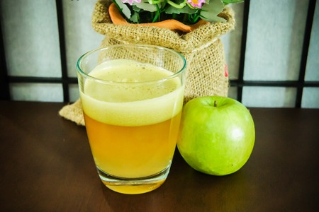 Green apple juice