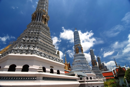 close range: Wat Phra Kaew.Another perspective shot at close range with Nelsons arrest.
