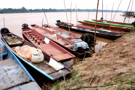 Water resources throughout the country. I have seen many small fishing boats. A device like a traditional fishing people