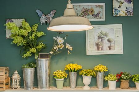 flores retro: Interior de estilo vintage Foto de archivo