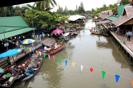 floating market: floating market