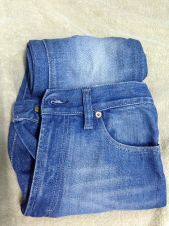 cloth: Roll jeans