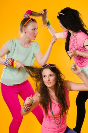 dissension: Three girlfriends fights, they hava a some disagreement