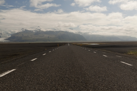 Road to nowhere - Iceland Stock Photo - 15497088