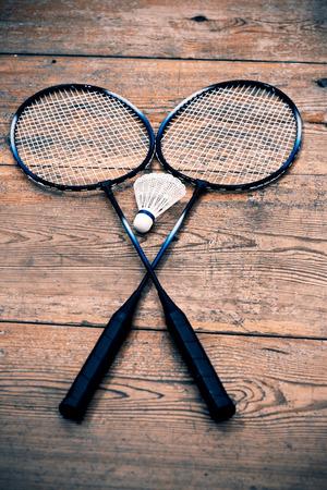 raqueta de tenis: Raquetas Badminto vintage con volante