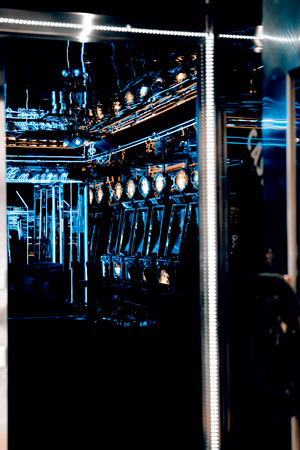 tragamonedas: las máquinas tragaperras en el interior del casino - Praga