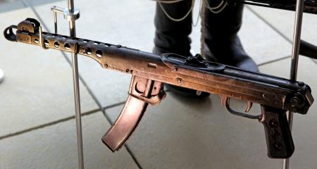 machine-gun: Oud machinegeweer uit de Tweede Wereldoorlog Stockfoto