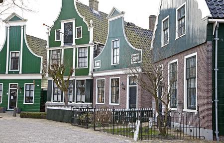 zaanse: Groene huizen op de Zaanse Schans museum, Nederland
