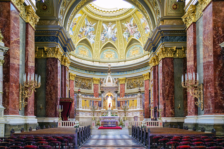 stephen: BUDAPEST, HUNGARY - MAY 5: Interior of St. Stephens Basilica on May 5, 2017 in Budapest Editorial