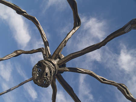 bilbo: Giant spider at the Guggenheim in Bilbao, Spain