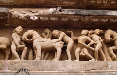 Stone carved erotic sculptures in hindu Khajuraho temple, Madhya Pradesh, India Stock Photo - 9101684