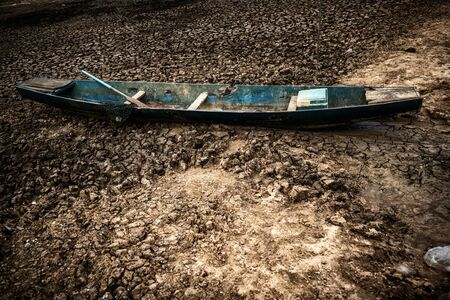 Blue Local fishing boats in dry rivers 免版税图像