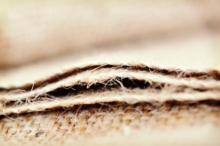 sacco juta: Primo piano dettagliato di tessuto di un sacco di iuta.