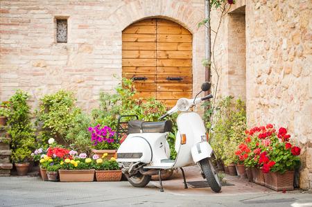 이탈리아, 빈티지 베스파에서 가장 인기있는 교통 수단 중 하나 스톡 콘텐츠