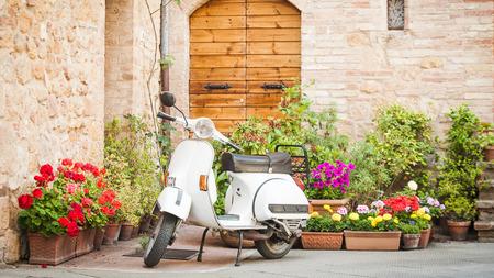 이탈리아에서 가장 인기있는 수송 중 하나, 빈티지 베스파 스톡 콘텐츠