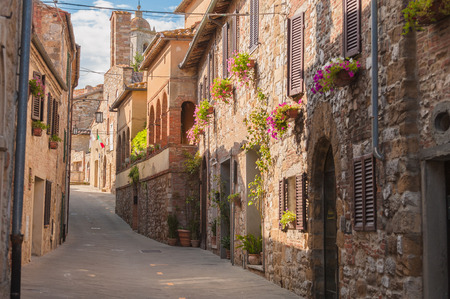 The medieval old town in Tuscany, Italy Фото со стока - 30386239