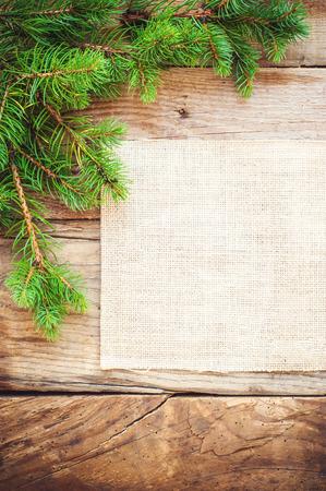 De achtergrond van Kerstmis op een houten rustieke oude tafel Stockfoto