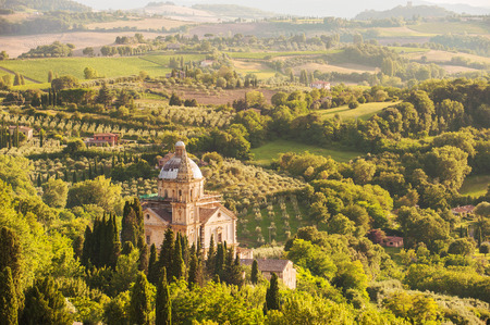 montepulciano: Church of San Biagio in Montepulciano surrounded by Tuscan countryside