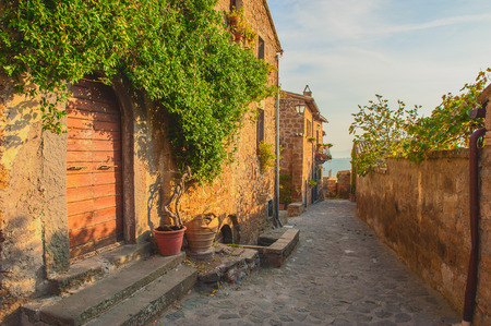 Small alley in the Tuscan village Stockfoto