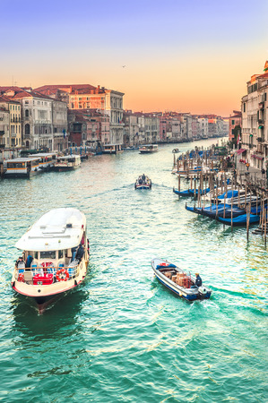 grand canal: Life on the Grand Canal in Venice, Italy