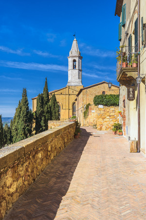 pienza: Passage viewing stretching along the walls, the Renaissance town of Pienza, Tuscany