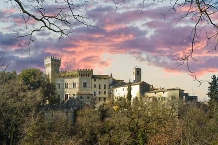 Verborgen ergens uit de stad in Toscane, San Casciano dei Bagni. Stockfoto