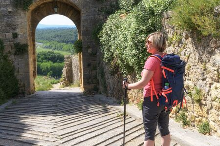 Hiking around Tuscany and Italian medieval towns, Monteriggioni Siena Banque d'images