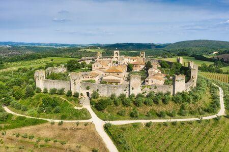 Traveling around Tuscany and Italian medieval towns, Monteriggioni Siena Banco de Imagens
