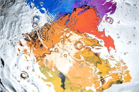 De fondo con las salpicaduras de agua de colores. Abstracto creativo Foto de archivo - 10935438