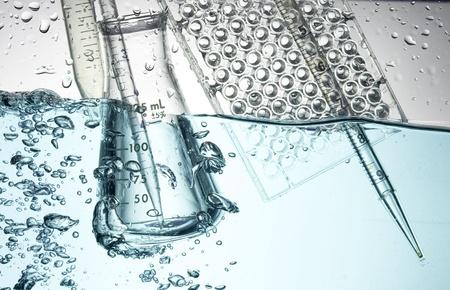 laboratory glass: Chimico provetta. Esperimento medico con Laboratorio di vetro Archivio Fotografico