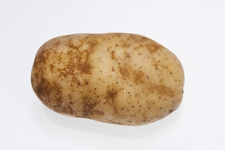 isilated: Potatoes isolated on the white background
