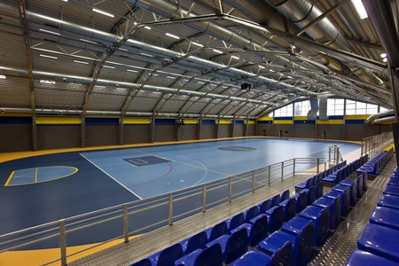 sports hall: Empty multi sport arch hall