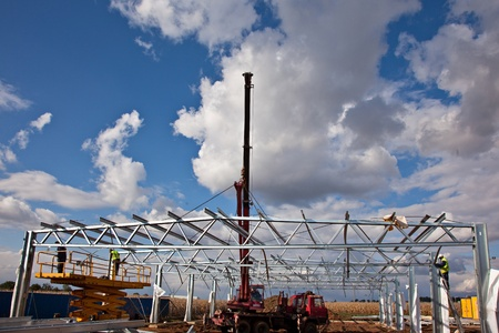 Crane assembly of roof construction