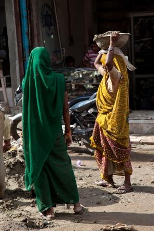 Woman labor in India construcion
